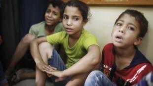 Palestinian children in Gaza's Beit Hanoun hospital