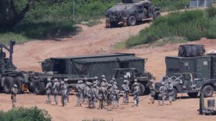 Lính Mỹ tham gia cuộc tập trận gần khu phi quân sự ngăn cách hai miền Triều Tiên, ngày 22/08/2016.
