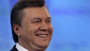 Знает ли Виктор Янукович о борьбе кланов в руководимой им Партии регионов?