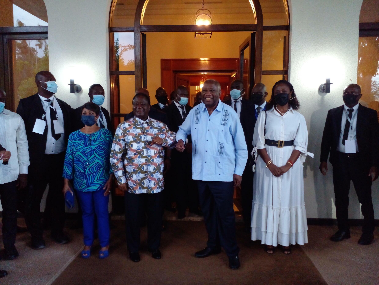 Laurent Gbagbo (d) et Henri Konan Bédié (g) à Daoukro