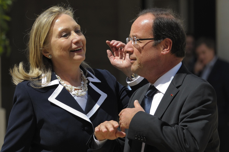 Архивное фото. Президент Олланд принимает госсекретаря Клинтон. Париж. 06.07.2012