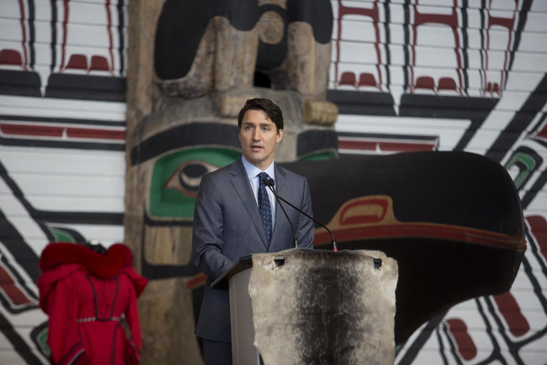 """加拿大总理特鲁多2019年6月3日在魁北克就""""失踪和被谋杀原住民妇女和女童国家调查委员会""""调查报告发表讲话。"""