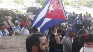 A Miami, en Floride, des manifestants solidaires des dissidents cubains se sont réunis en soutien aux opposants arrêtés à La Havane, le 30 décembre 2014.