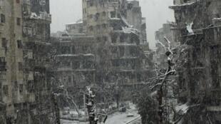 Mais de 100 civis mortos num ataque do exército em Homs