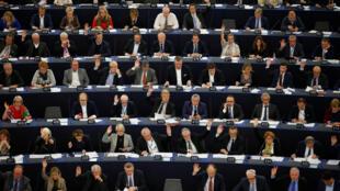 Image d'archive: Le texte a été approuvé par le Parlement européen 存檔圖片:歐洲議會在做表決
