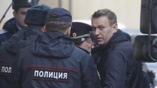 Задержание Алексея Навального на митинге против коррупции 26 марта 2017.