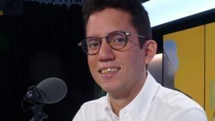 Indra Carrillo Perea en los estudios de RFI