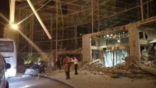 网络流传的九寨天堂大酒店大厅在地震中坍塌的画面