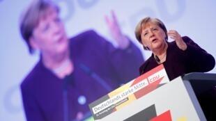По словам Ангелы Меркель, НАТО на протяжении 70 лет было «оплотом против войны»