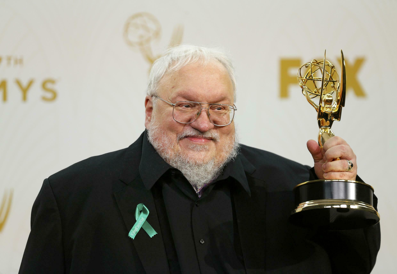 Game of Thrones được phóng tác từ bộ truyện  ''A Song of Fire and Ice'', cho tới nay tác giả George R.R Martin vẫn chưa viết xong hồi kết
