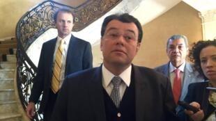 O ministro de Minas e Energia, Eduardo Braga, durante coletiva de imprensa em Washington nesta terça-feira (20).