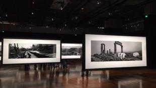 Une vue de l'exposition «Ruines» du photographe franco-tchèque Josef Koudelka.