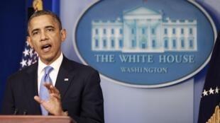 El presidente estadounidense, Barack Obama, se expresa en una conferencia de prensa en la Casa Blanca sobre la situación ocasionada por el huracán Sandy, el 29 de octubre de 2012.