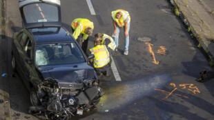 Homem desequilibrado mental provoca em nome do Islão acidentes numa autoestrada de Berlim