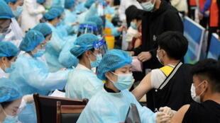 中国青岛新冠疫苗接种