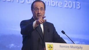 O presidente François Hollande durante discurso na prefeitura de Remire-Montjoly, na Guiana Francesa, em 13 de dezembro de 2013.
