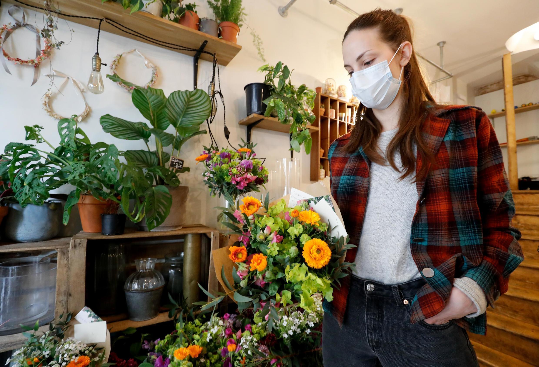Environ 20% des fleuristes français continuent à travailler grâce aux livraisons.
