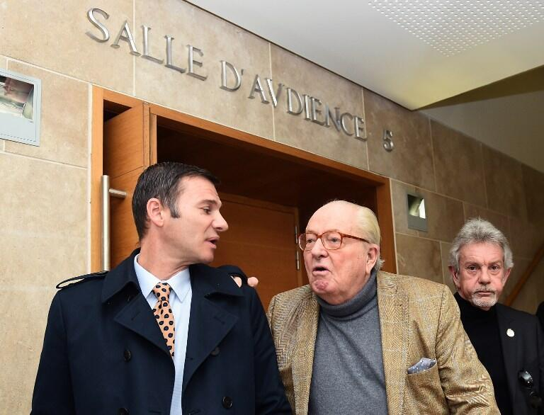 Jean-Marie Le Pen leaves the courthouse of Aix-en-Provence, on January 23, 2017, after his appeal trial for remarks held about Roma people.