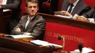 O Primeiro - ministro francês, Manuel Valls, fez da luta contra a Frente Nacional nas eleições regionais o seu cavalo de batalha