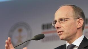 Pour le ministre luxembourgeois des Finances, Luc Frieden, l'Europe ne peut risquer d'appliquer seule des règles qui feraient fuir les capitaux placés dans ses centres financiers.