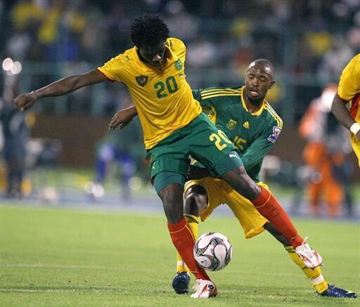 Nicolas Nkoulou est titulaire en équipe du Cameroun.