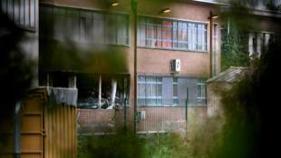 Окна лаборатории института криминологии в Брюсселе, где в ночь на 29 августа произошел взрыв