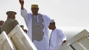 L'ancien président malien Amadou Touani Touré à son arrivée à Bamako après 5 ans d'exil.