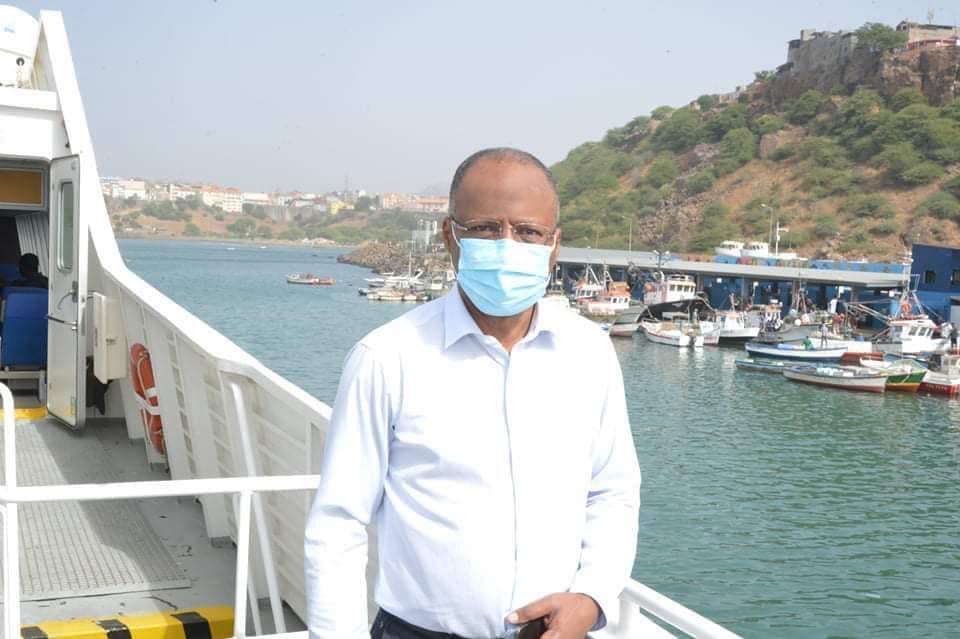 Ulisses Correia e Silva, PM de Cabo Verde no navio que o levou à Brava -