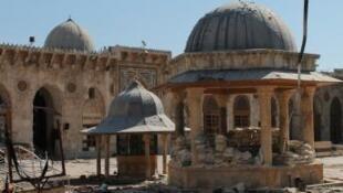 La Gran Mesquita Omeya en la ciudad de Alepo, Siria.