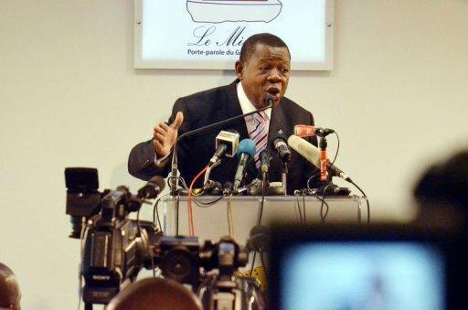 Lambert Mende Omolanga ni miongoni mwa waliozungumzia mzozo huo wa mashariki mwa DRCongo
