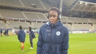 Joséphine Ngandi, joueuse camerounaise, avant le match retour des huitièmes de finale de la Ligue des champions face au Paris Saint-Germain.