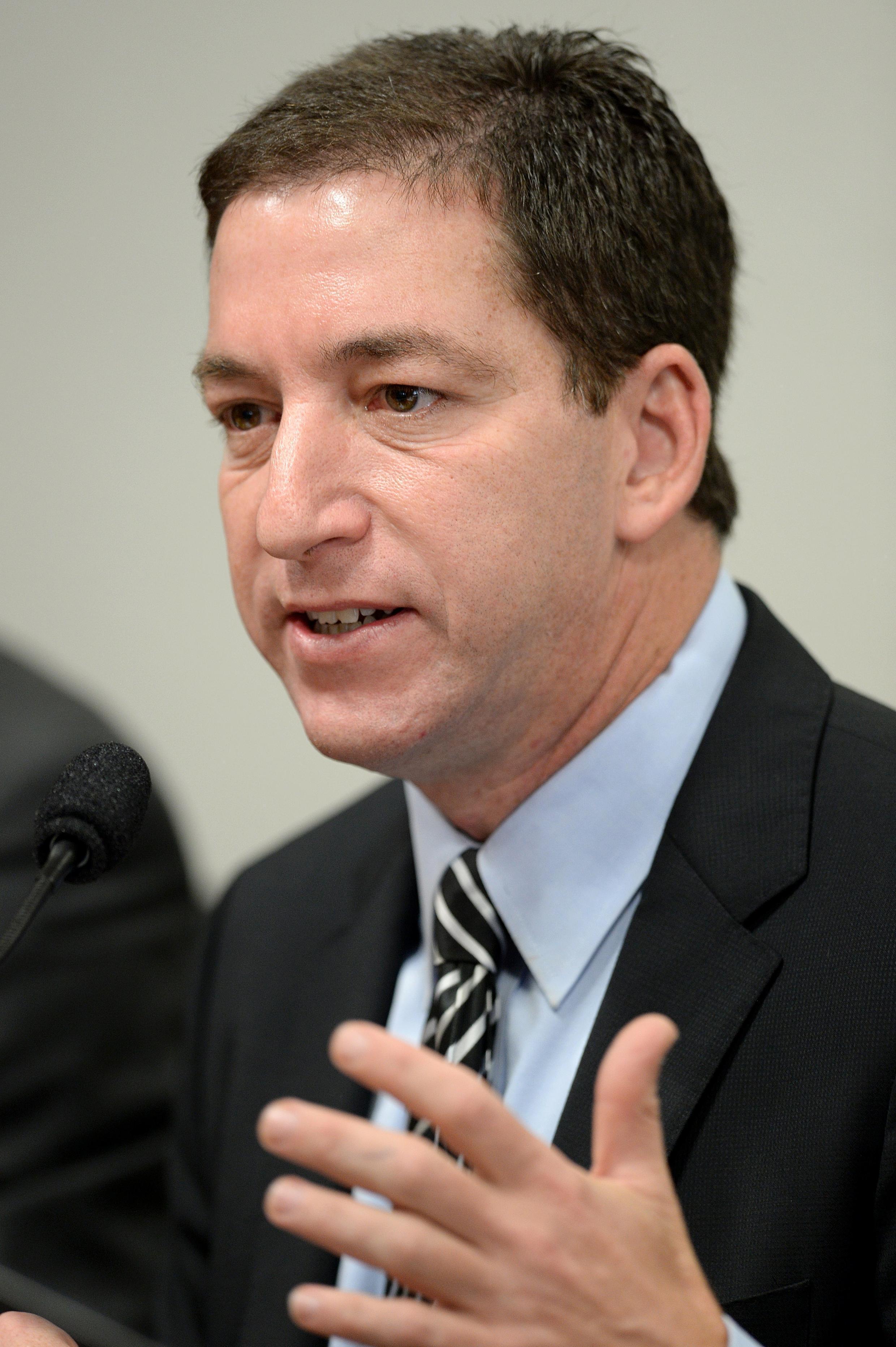 Nhà báo Glenn Greenwald, làm việc cho «Guardian», đang điều trần tại Tiểu ban điều tra Thượng viện Brazil, Brasilia, ngày 09/10/2013