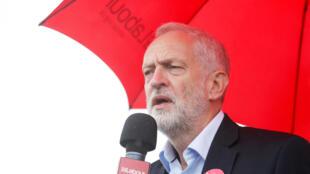 Lundi, deux jours après l'attentat de Londres, le chef de file du Parti travailliste, Jeremy Corbyn, a appelé la Première ministre Theresa May à démissionner.