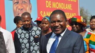 Filipe Nyusi, candidato presidencial da Frelimo às eleições moçambicanas de 15 de Outubro