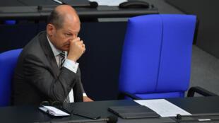 El ministro alemán de Finanzas, Olaf Scholz, en una sesión en la cámara baja del parlamento, el Bundestag, en Berlín, el 29 de junio de 2020