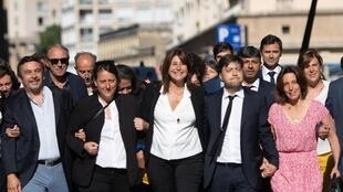La nouvelle maire de Marseille, Michèle Rubirola, avec son équipe, le 4 juillet 2020.