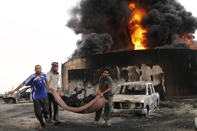 Взрыв и пожар в Сирте