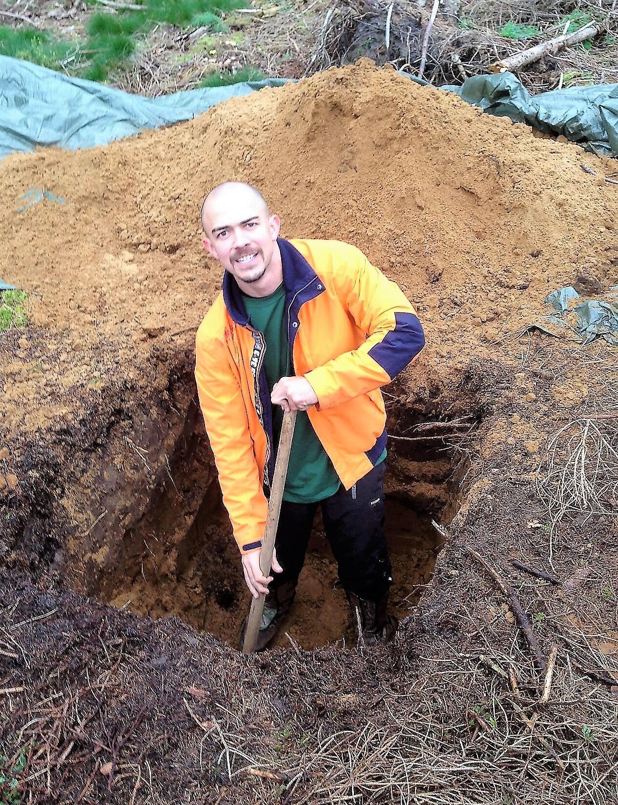 Rodrigo Bastos em trabalho de coleta de amostras de solo na Dinamarca.