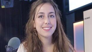 Laurie Servières en los estidios de RFI