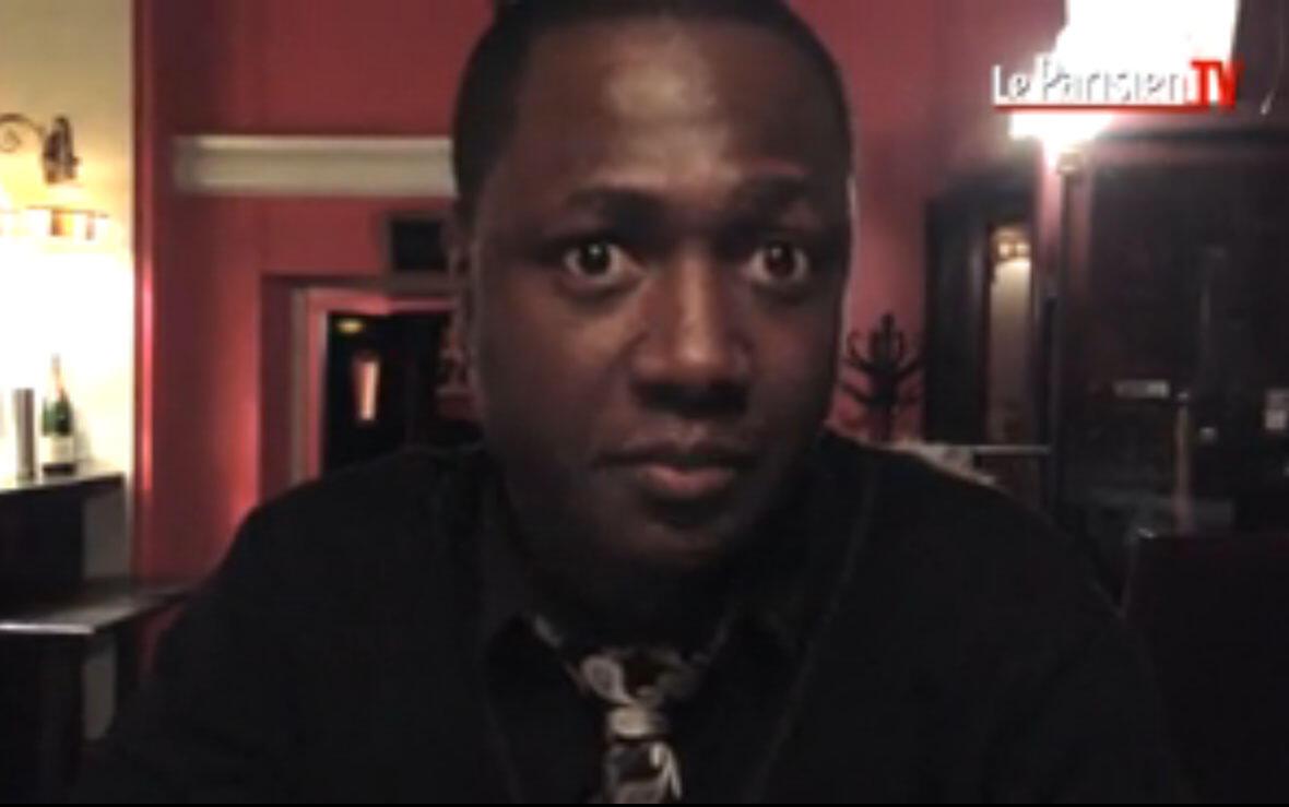 Souleymane S, francês de origem mauritanesa, vítima de agressão racista no metrô parisiense por torcedores ingleses do Chelsea.