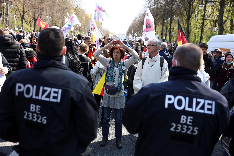 -CORONAVIRUS-GERMANY-BUNDESTAG-PROTESTS