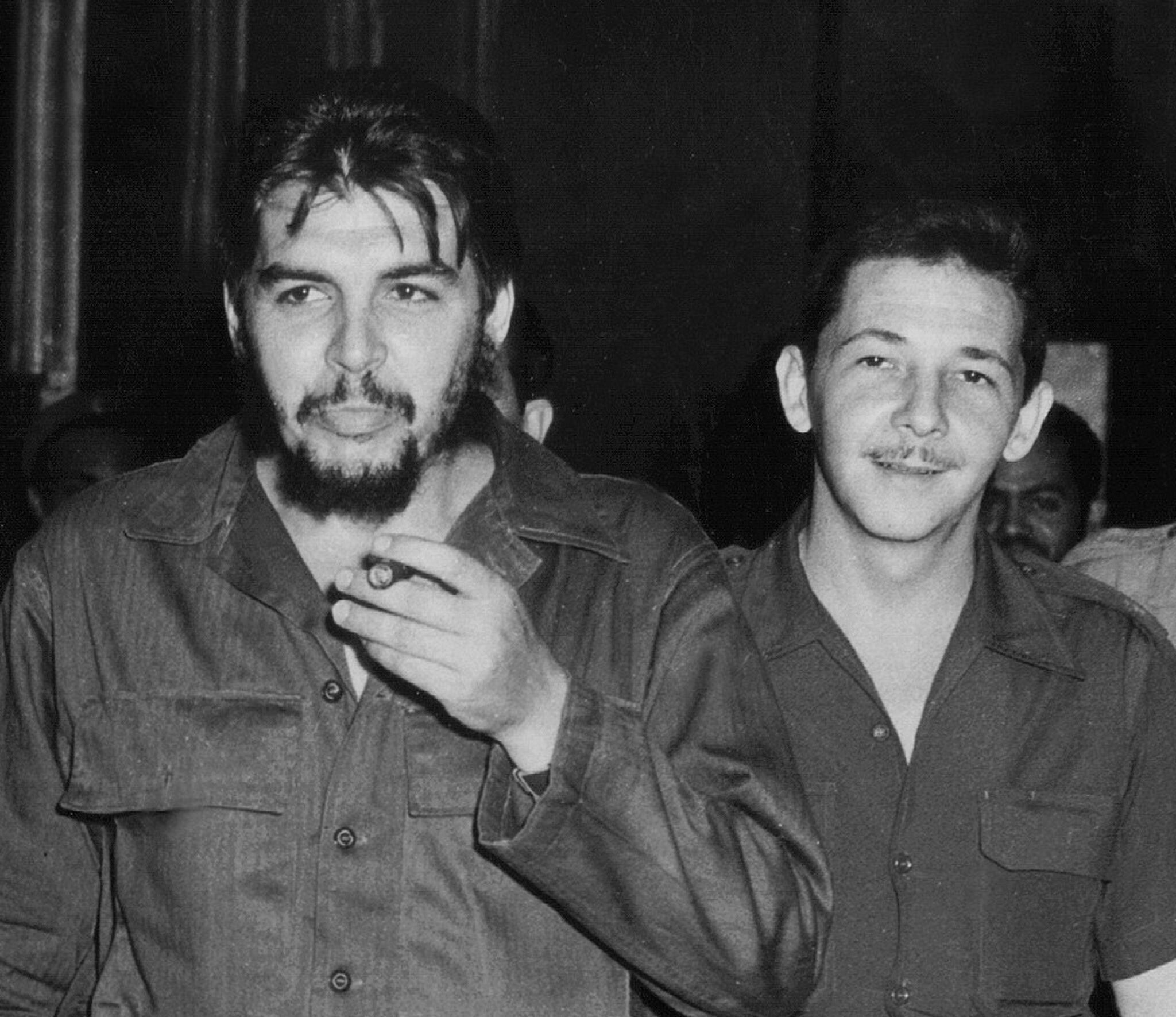 Les Commandants Ernesto Che Guevara et Raoul Castro en 1960