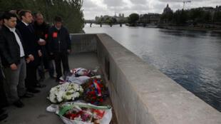Emmanuel Macron a rendu hommage le 1er mai 2017 à Brahim Bouarram, jeté dans la Seine par des militants d'extrême droite en 1995.
