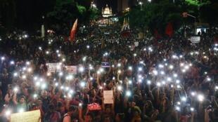 Sinh viên và người dân Brazil biểu tình phản đối chính sách cắt giảm ngân sách đại học của chính quyền Bolsonaro, Rio de Janeiro, ngày 15/05/2019.