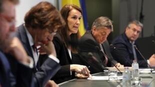 La Première ministre belge Sophie Wilmes lors de sa conférence de presse le 24 avril 2020 à Bruxelles.