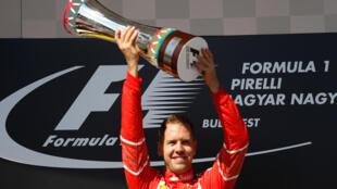 Sebastian Vettel comemora vitória no GP da Hungria.