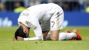 Dan wasan Real Madrid Cristiano Ronaldo ya nuna bacin ran shi bayan ya nemi zira kwallo a raga amma kwallo ta ki shiga ragar Valencia a filin wasa na Santiago Bernabeu