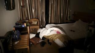 Une chambre de l'hôtel Radisson Blu après l'attaque le 20 novembre 2015.