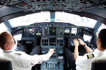 Dans le cockpit de l'Airbus A380.