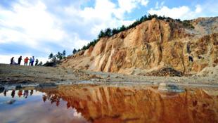 Dấu hiệu ô nhiễm do chất hóa học cyanide tại vùng Rosia Montana (DR)